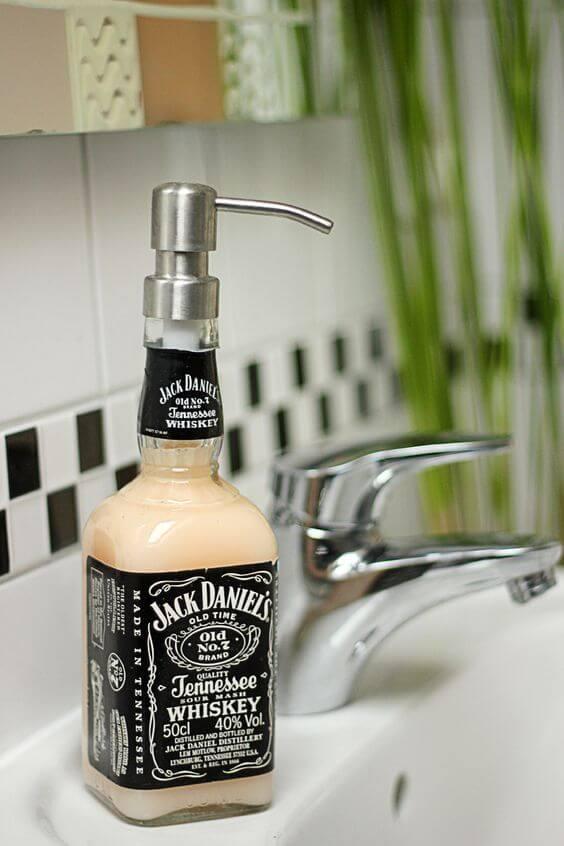 riciclo bottiglie di vetro per sapone